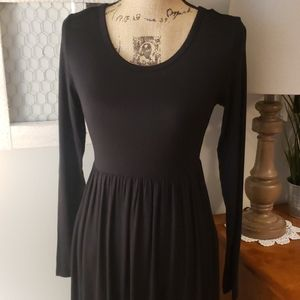 Long sleeve long black dress size small NWT